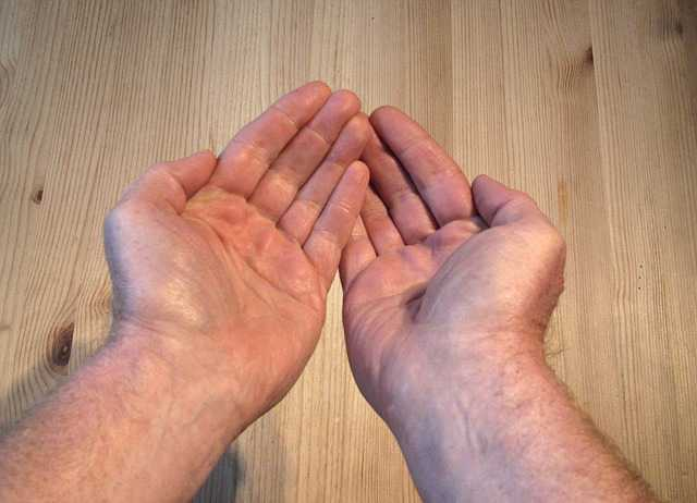 hand-112867_640