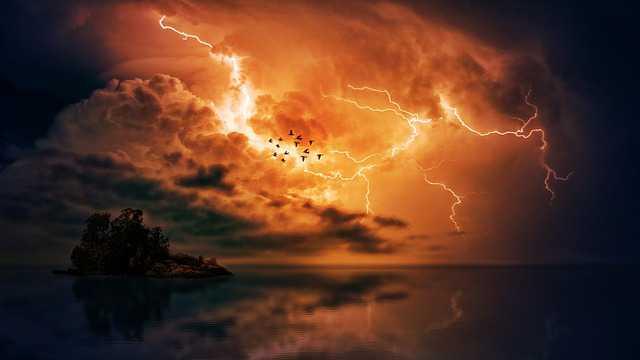 thunderstorm-3417042_640
